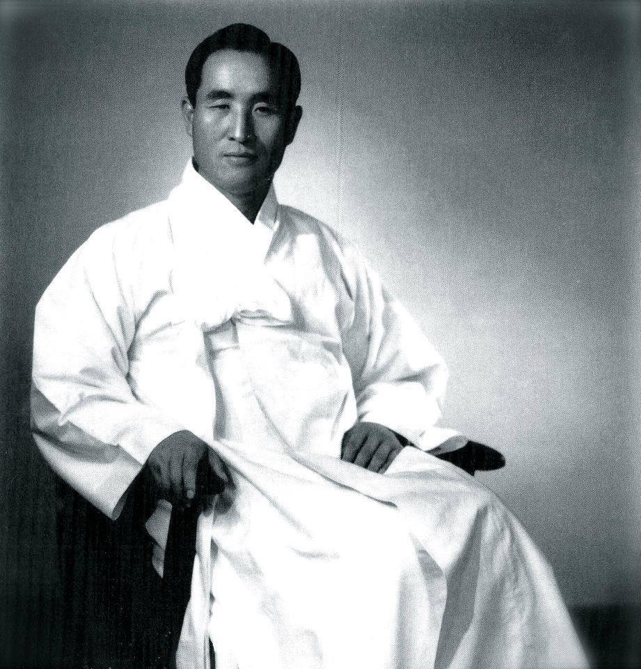 http://www.truelove.org/ucbooks/smmspeaks/2012/TF_Seonghwa/20120907-True-Father-Sun-Myung-Moon1.jpg